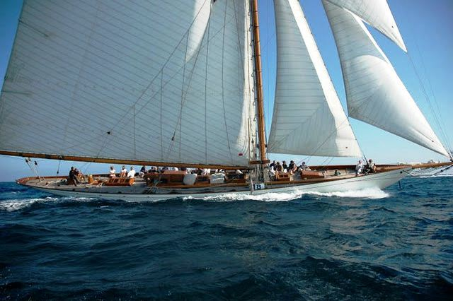 Classic Sailing Yacht Moonbeam IV